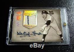 2005 UD Hall of Fame Platinum Whitey Ford AUTO Pinstripe Jersey 1/1