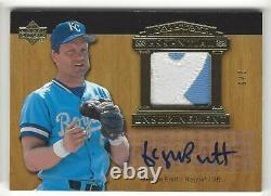 2005 Upper Deck Hall of Fame George Brett Auto Jersey Patch Card Gold 2/5