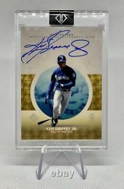 2021 Topps Transcendent Hall of Fame Collection Ken Griffey Jr Autograph 1/1