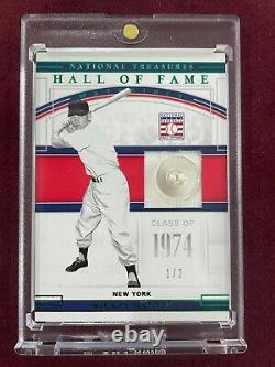 Mickey Mantle 2020 Panini National Treasures Hall of Fame Worn Button Relic 1/2
